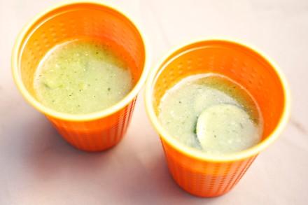 ズッキーニの冷製スープ 自家製丸鶏スープ生姜_MG_0046